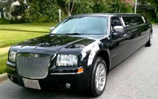 Chrysler 300 limo service Wellington