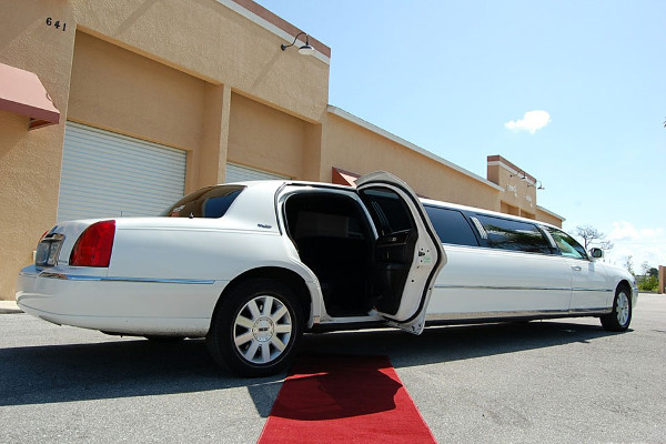 lincoln limo rental near ft lauderdale